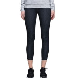 Lululemon Light Speed Tight Desert Snake/Black